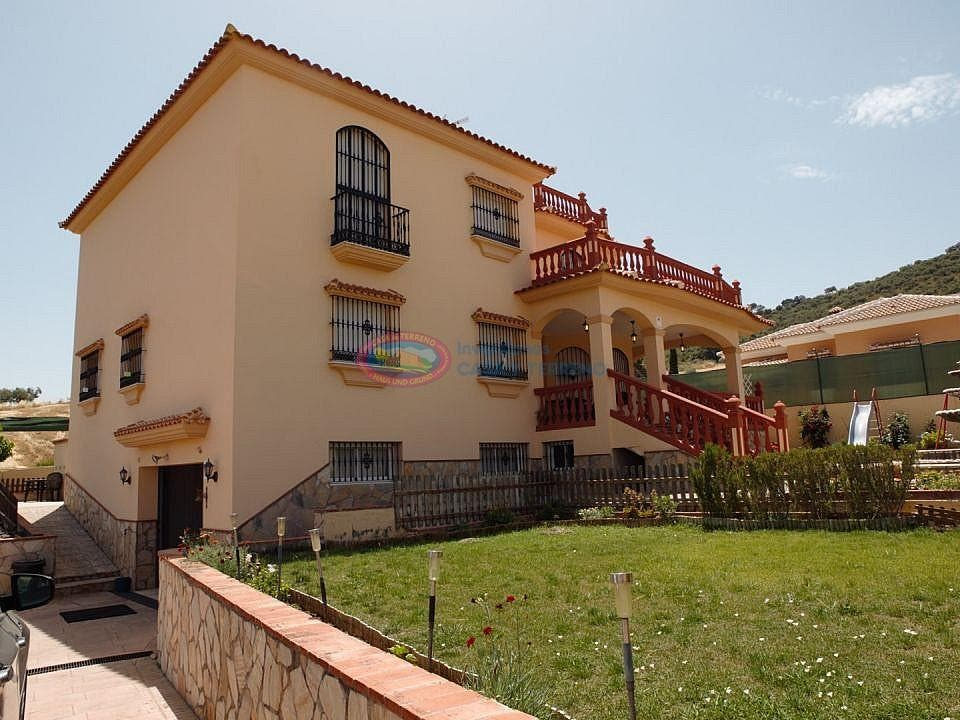 Villa en venta en Casabermeja (Casabermeja, Málaga)