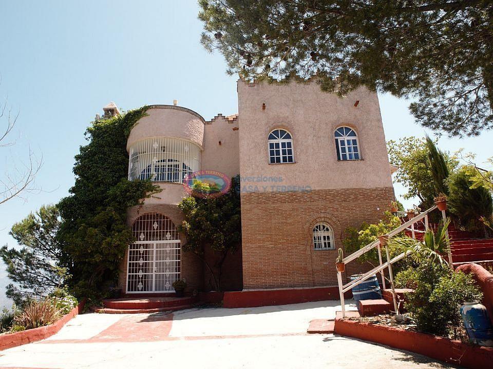 Villa en venta en Iznate (Almayate, Málaga)
