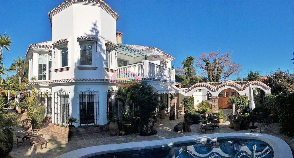 Villa en venta en Benajarafe Almayate en Vélez-Málaga (El Peñoncillo, Málaga)