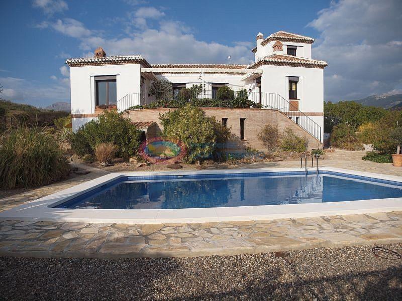 Villa en venta en Viñuela (El Peñoncillo, Málaga)