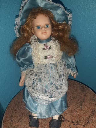 Muñeca con mimbrera