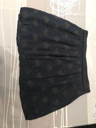 Pack 2 faldas. En perfecto estado