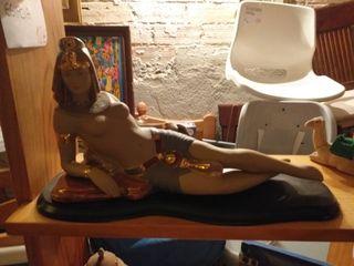 figura egipcia grande