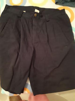 Pantalón corto talla 48, perfecto estado
