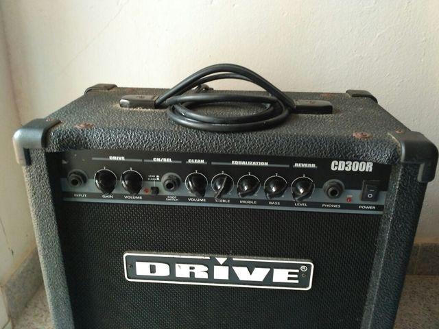 Guitarra eléctrica, amplificador, pedal sonidos.