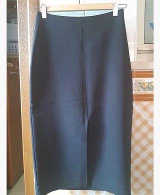 Falda negra de tubo