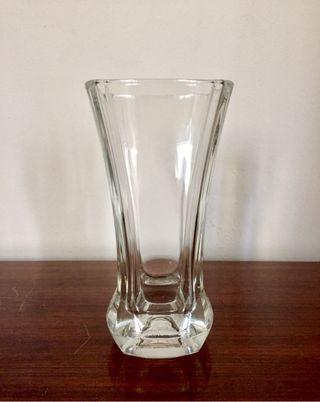 Elegante florero cristal francés