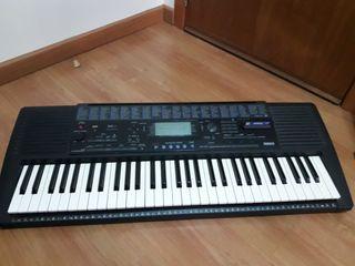 Piano Yamaha PSR 420
