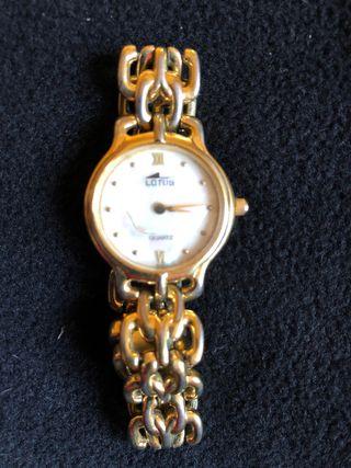 Reloj lotus pulsera