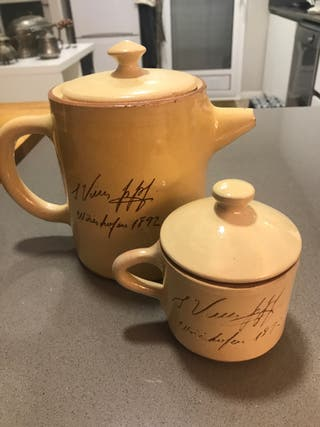 Tetera y taza para te