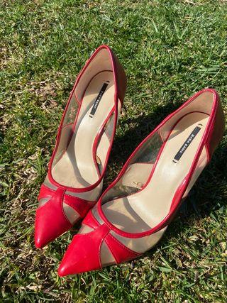 Zapatos tacón rojos Zara