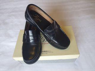 Zapatos piel Castellanos niño Marca Tizzas n°35