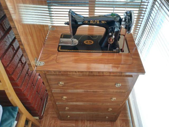 Maquina de coser antigua Alfa de segunda mano por 1.000