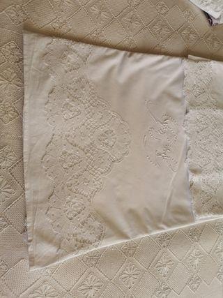 sábana bordada antigua