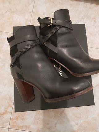 Botines negros de Massimo Dutti