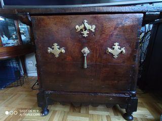 Mueble de cocina muy antiguo