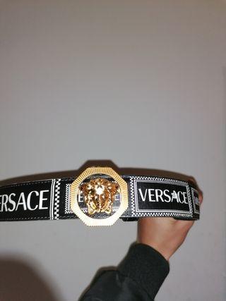 Cinturón Versace retro 90