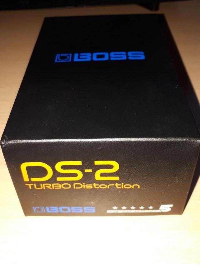 Pedal de guitarra BOSS Turbo Distortion DS2