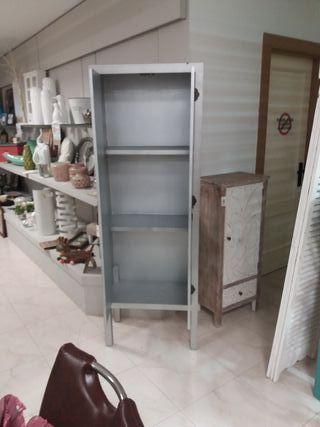 armario plata plateado 2 puertas y tablillas NUEVO