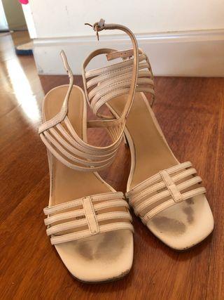 Sandalias tacón alto, blancas