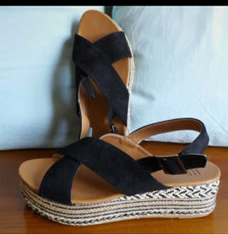 Sandalias negras con plataforma talla 40