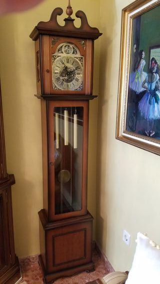 Reloj Pendulo pie Tempus Fugit