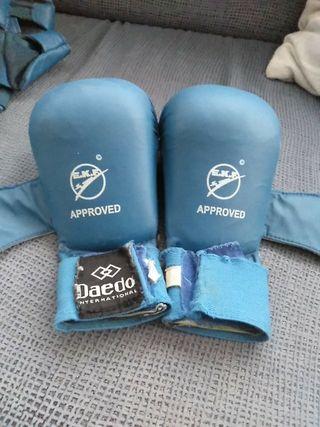 Guantillas azul Daedo karate niño