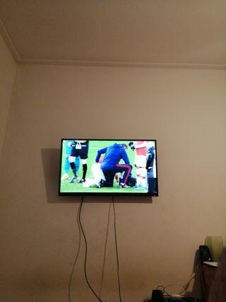 TV 40 pulgadas+soporte pared
