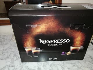Cafetera Nespresso essenza mini