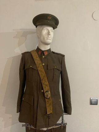Antiguo uniforme Alferez de Caballería
