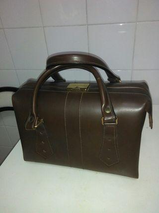 bolso tipo maletín de practicante vintage