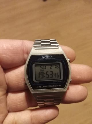 Reloj Oficial Casio digital de mujer plateado