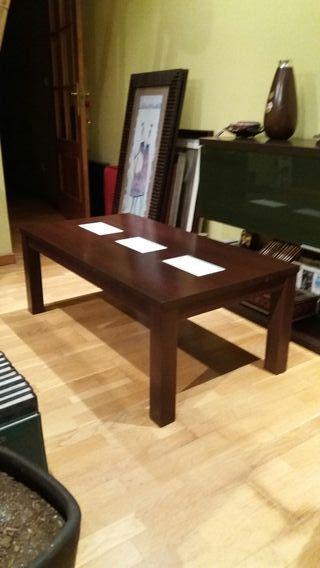mesa auxiliar con cristales blancos
