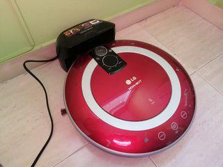 Hom-bot LG, Robot de limpieza