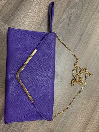 Cartera/bolso morado con cadena