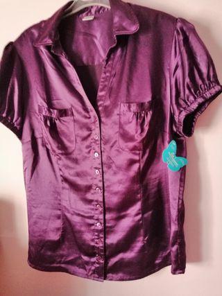 blusa nueva con la etiqueta talla G