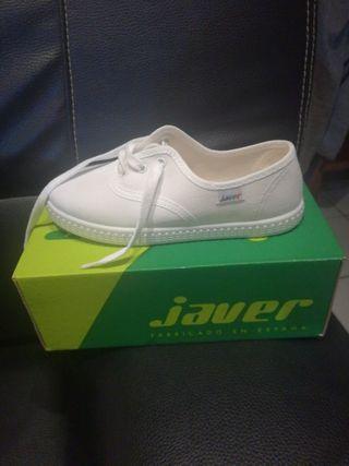 Zapatillas blancas 32