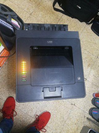 Impresora láser Brother para reparar