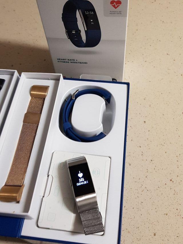 Reloj fitbit charge 2