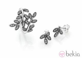 Anillo + Pendiente Floral Pandora de plata