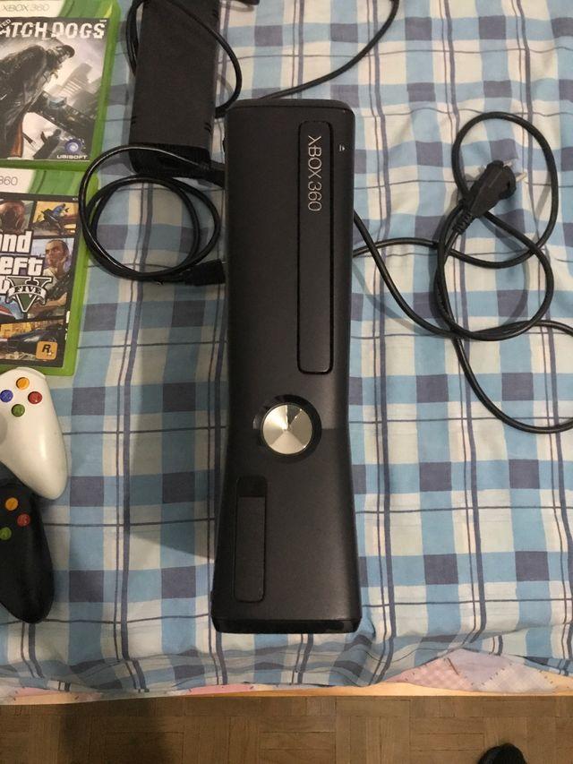 Xbox 360 en buen estado con juegos