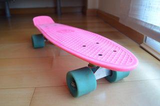 Skate tipo Penny con funda y llave