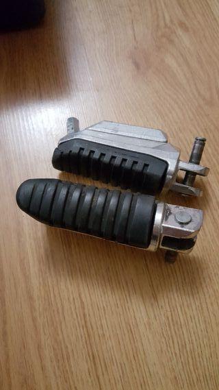 estriberas o posapies para moto suzuki gsr 600