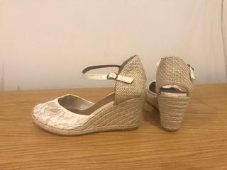 Zapato de esparto novia