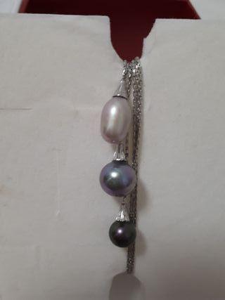 Majorica collar