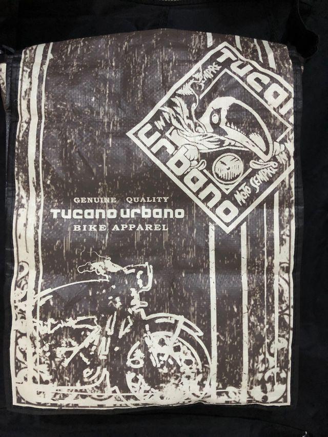 Manta cubrepiernas Tucano R029