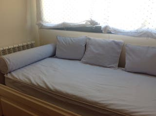 Colcha infantil ajustable cama 1'90x0'90 y cojines