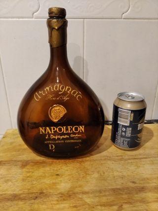 Botella antigua Armagnac NAPOLEON con lacrado