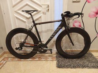 Bicicleta Canyon F10 con manillar de contrarreloj