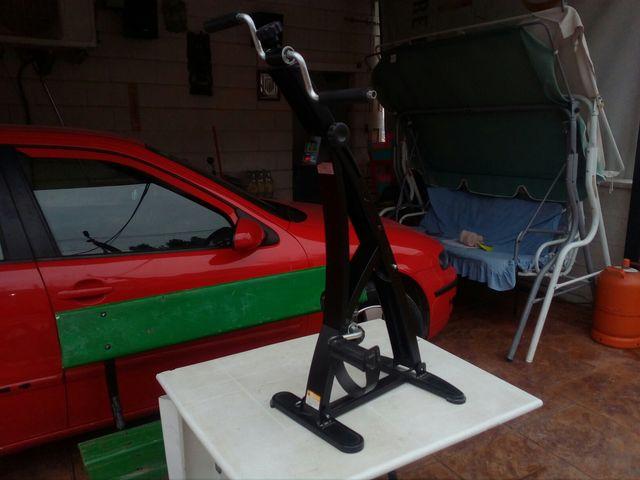 pedaleador sentado